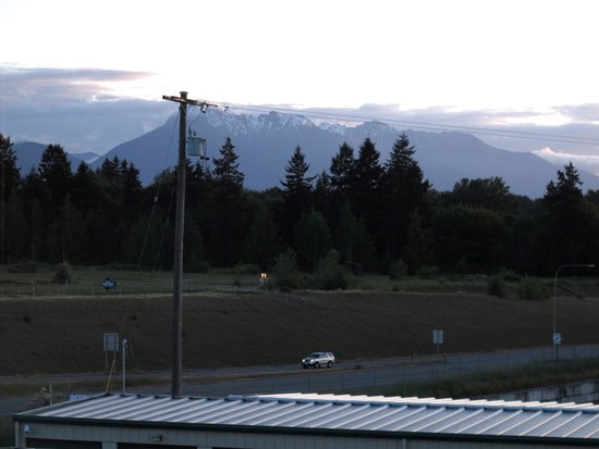 Quality Inn & Suites at Olympic National Park: View from Hotel Room toward Olympic National Park