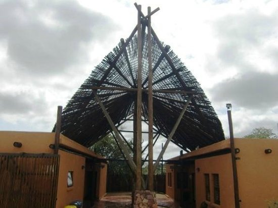 Mopane Bush Lodge: Entree Museum in Mapungubwe National Park