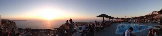 Lioyerma Lounge Cafe Pool Bar : puesta de sol desde el cafe