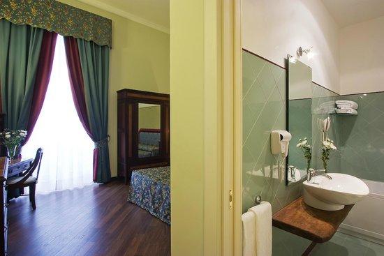 Decumani Hotel de Charme : De Luxe Room