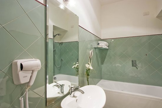 "Decumani Hotel de Charme : De Luxe Room ""Bathroom"""