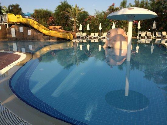 Liberty Hotels Lara: Kiddie pool with slide