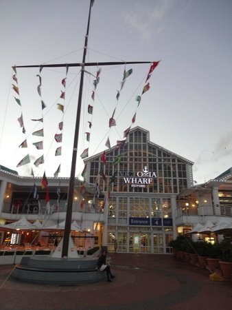 The Table Bay Hotel: mall