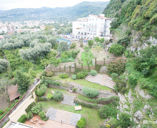 Conca Park Hotel Sorrento James Bond Suite
