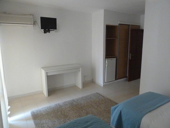 Belo Horizonte: room
