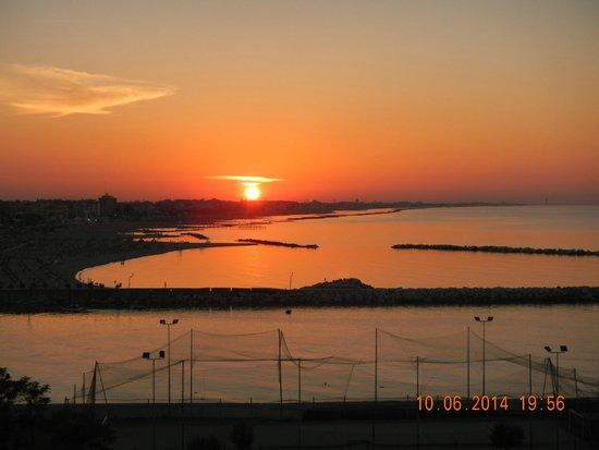 Hotel Baia Imperiale: Splendido tramonto dal solarium