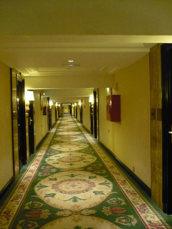 The Westin Palace Madrid: hall somptueux vers les chambres