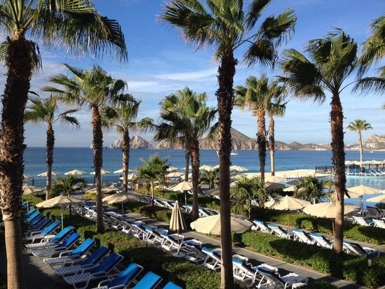 Hotel Riu Santa Fe: Beautiful View of Cabo Arch from Beach Restaurant