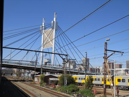 Premier Classe Train : Nelson Mandela brifge in Joburg
