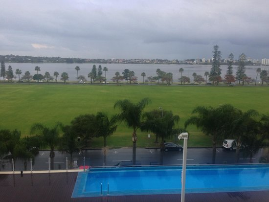 Crowne Plaza Perth : View from my room 1