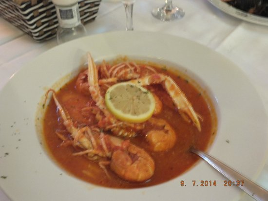 Ragusa 2: shrimp in wine sauce with garlic and polenta