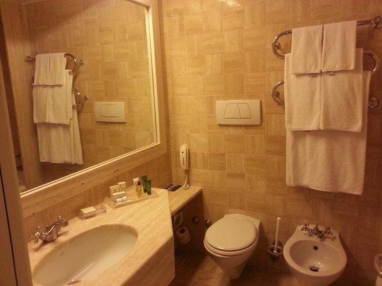Hilton Rome Airport Hotel: bagno