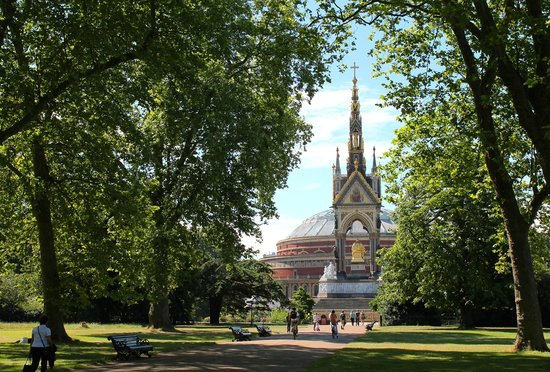 The Levin: Hyde Park and the Albert Hall five minutes away