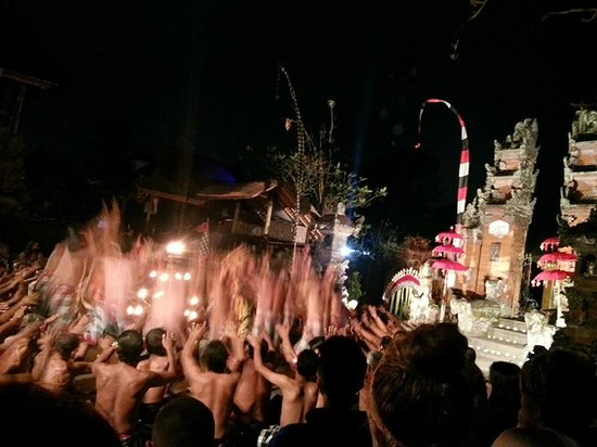 Kecak Fire & Trance Dance (Pura Dalem Taman Kaja): Dramatic Kecak fire dance