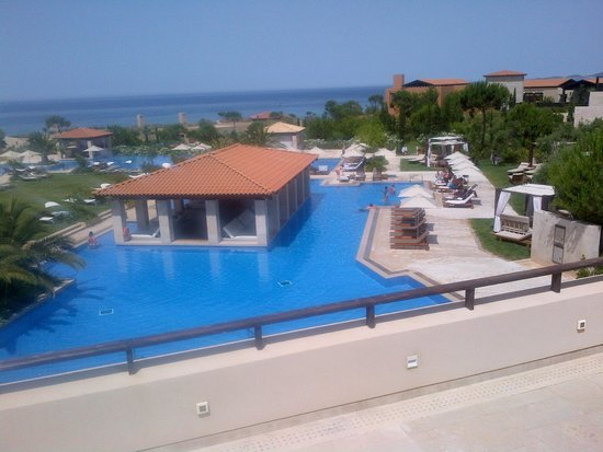The Romanos Resort, Costa Navarino: partial view of The Romanos pool
