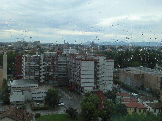 NH Padova : Panorama con la pioggia di luglio