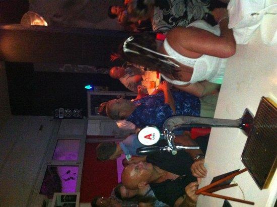 Phedrock Bar : A busy night