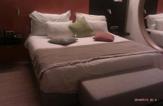 Crowne Plaza Tel Aviv City Center: bed
