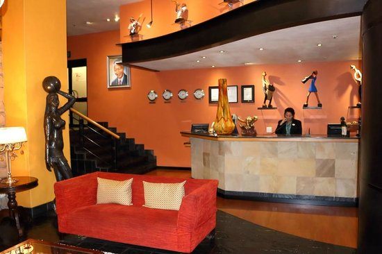 Cape Town Lodge : Entrance Lobby and Reception