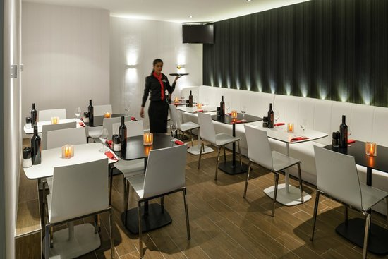 Ibis Styles Amsterdam Central Station: Dining