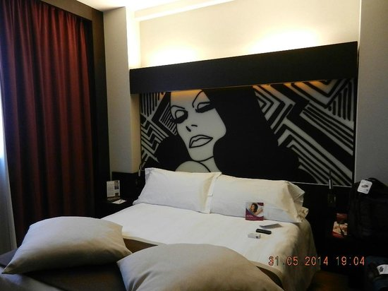 Crowne Plaza Hotel Milan City: Comfortable bed