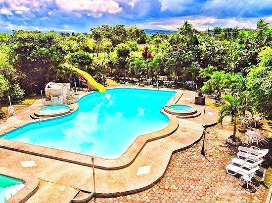 Piscina pool picture of bromelias amazon lodge for Amazon piscinas