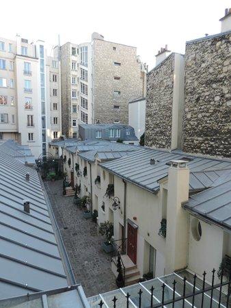 Residence Unic Renoir Saint Germain : Vista da janela - quarto 27