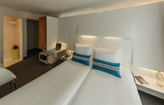 Ibis Styles Amsterdam Central Station: Twin Room