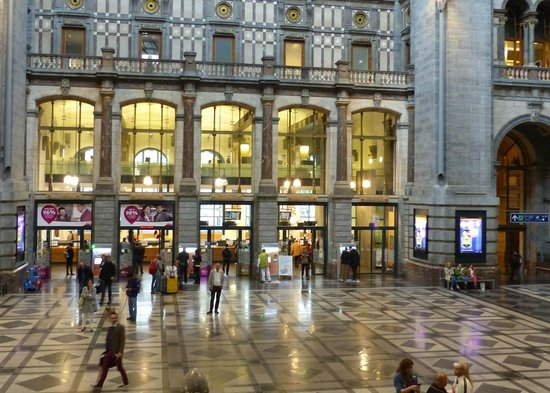 Gare centrale : Main Concourse of Antwerp Station