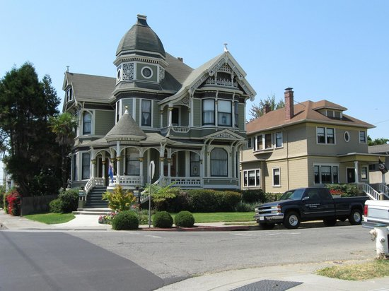 Mansion now Bed and Breakfast-Alameda, CA