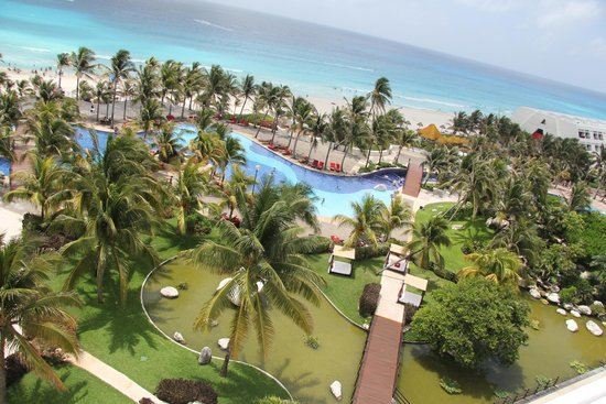 Grand Oasis Cancun: view from the top of the external staircase