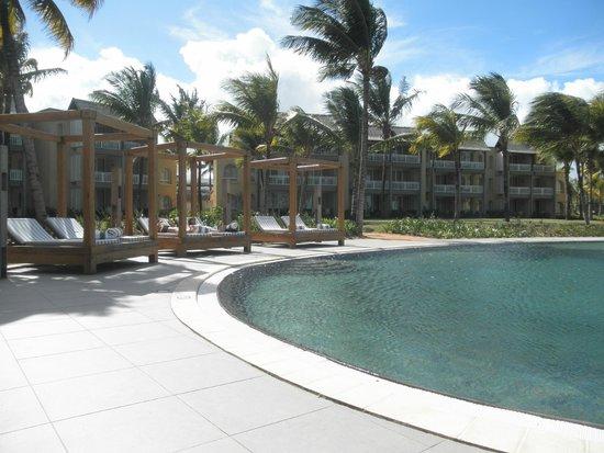 Outrigger Mauritius Beach Resort : ¨Piscine