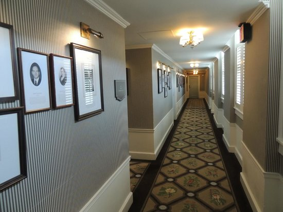 The Carolina Inn : Pictures on the Wall