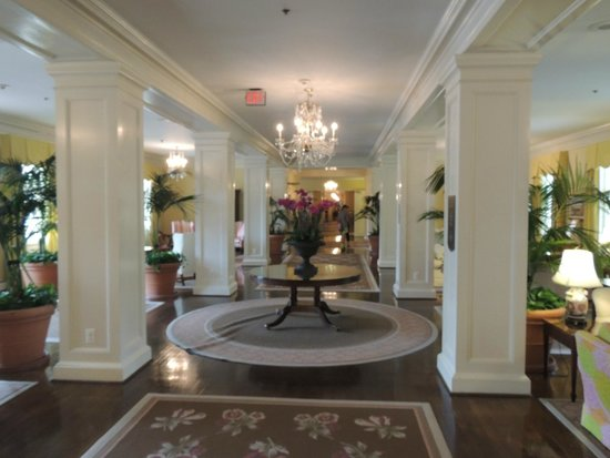 The Carolina Inn: Lobby like a living room