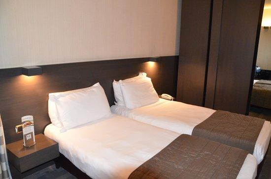 Hotel Ovest : Bequeme schöne Betten