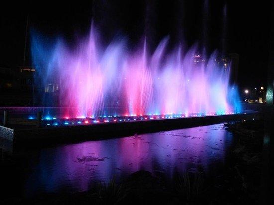 Hotel At WaterWalk: Fountain @ WaterWalk #1