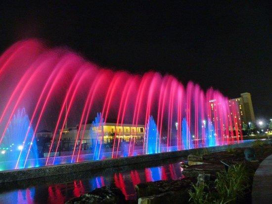 Hotel At WaterWalk: Fountain @ WaterWalk #2