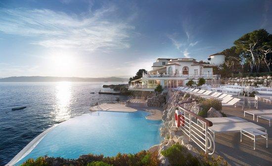 Hotel du Cap Eden-Roc : The swimming pool