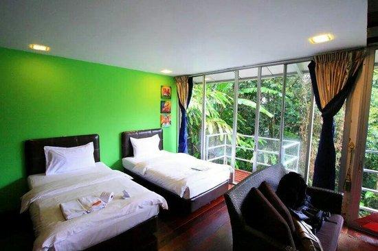 J Residence: The very spacious room