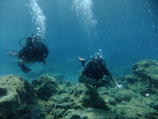 DGR Scuba Diving: Diving in Grecian Bay with my friend to the right side. The other day i went diving in Zenobia