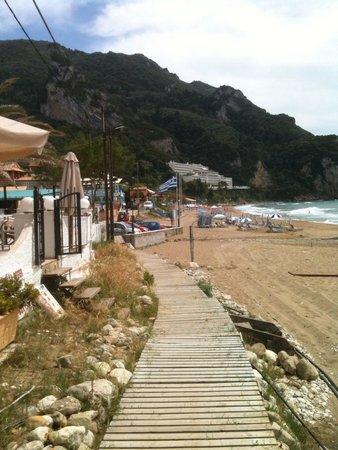 Mayor La Grotta Verde Grand Resort: View from beach looking back to hotel