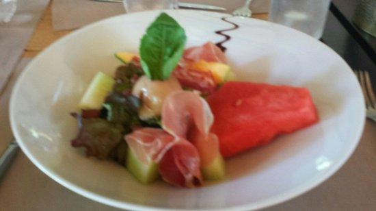 Boem : Entree pasteque melon jambon serrano sauce curry