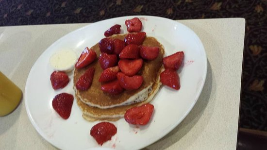 Chip's Family Restaurant : Whole wheat pancakes with fresh strawberries
