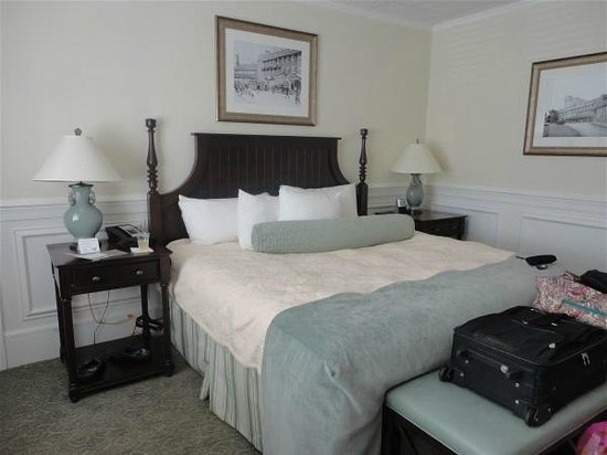 The Inn at Pocono Manor : Bed in our room