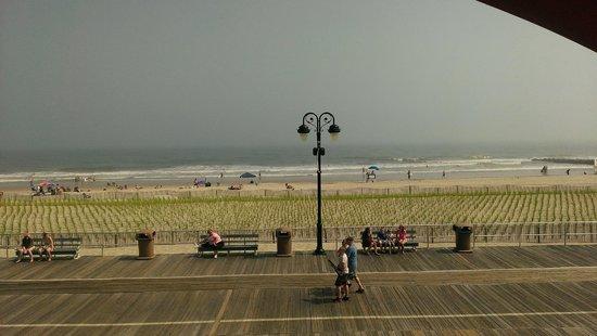 Wild Dunes Inn: boardwalk