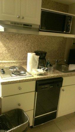 Wild Dunes Inn: kitchen