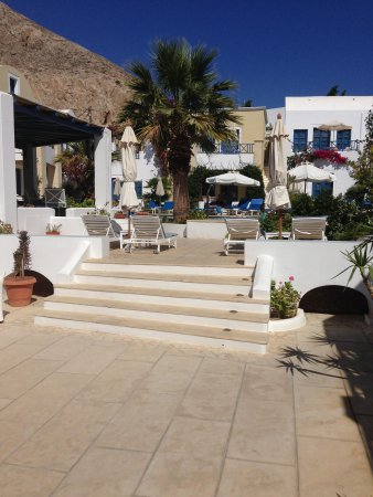 Tamarix del Mar : View from patio to pool