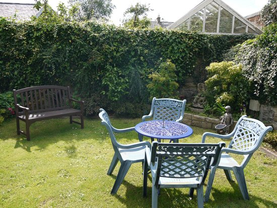 Classic Guest House: Garden