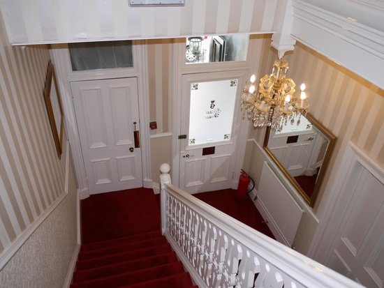 Classic Guest House: Victorian staircase
