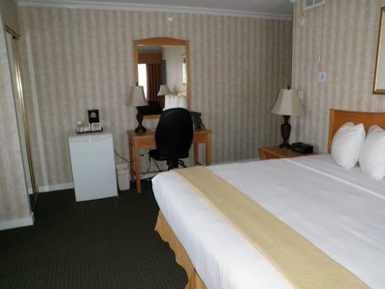 Quality Inn Downtown Inner Harbour: Comfortable and spacious